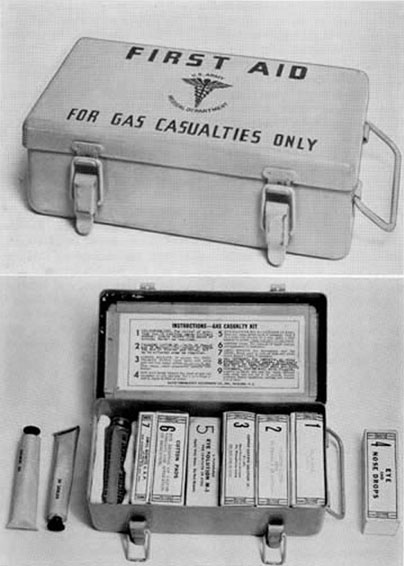 9776400 - Kit, First-Aid, Gas Casualty, Complete